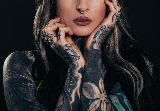 4 Scenarios Where You Need a Tattoo Cover Up Through Makeup