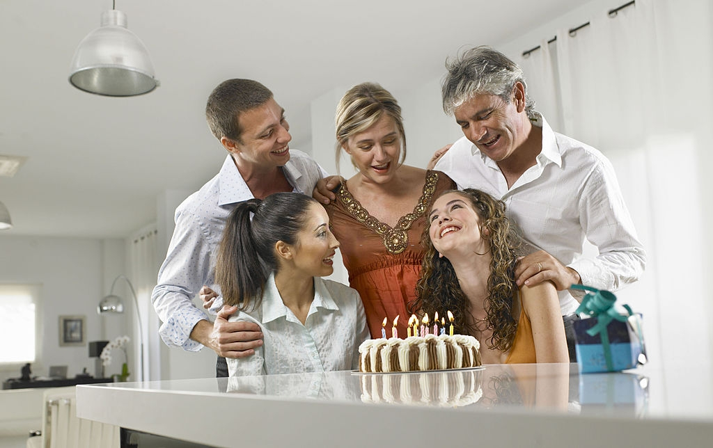 5 Amazing Gifts for your Daughter's Sweet Sixteenth Birthday